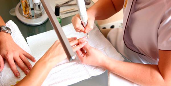 1423598764_manicure-apparat